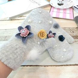 Wholesale rabbit fur fingerless gloves - Hot White Rabbit Fur Blended Mittens Women Gloves Winter Pearl Imitation Floral Ladies Gloves Wrist Solid Women AGL258