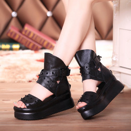 Wholesale Muffin Sandals - free shipping Women's Slideshow Summer Sandals & Slippers Water Boots Beach Slides Leather Platforms Thick-soled Muffins Wedges
