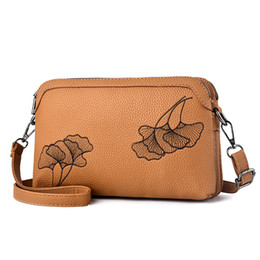 31e3684f9eac сумочки Скидка PAITIANLE 2018 Китайская вышивка Braccialini Girl Crossbody  Сумки Женские сумки вязаные сумки на ремне