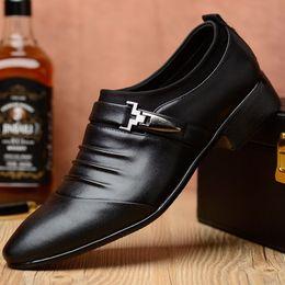 2019 grandi scarpe da uomo mocassini uomo dress office business shoes in pelle scarpe a punta uomo in pelle formale slip-on scarpe uomo Large size heren schoenen buty meskie grandi scarpe da uomo economici
