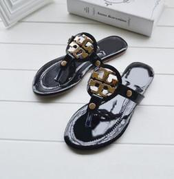 Wholesale peep toe sandals - New Luxury Brand Women Fashion beach shoes sandals Ladies slippers casual slippers peep toe sandals