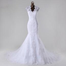 Sirena encantadora Blanco Fotos reales Apliques de encaje Queen Anne con cuentas Vestidos de novia Volver Ver a través de tren de capilla Vestido de novia desde fabricantes