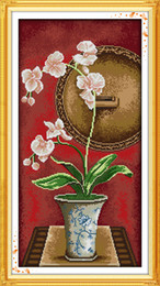 Orquídeas flores pinturas on-line-Flores de orquídea de traça vaso de tinta pintura de decoração para casa, Feito À Mão do Ponto da Cruz Bordado conjuntos de costura contados impressão sobre tela DMC 14CT / 11CT
