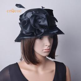 Kilise düğün için saten flowerfeathers Siyah sıcak pembe Bayan Elbise şapka Kadife Şapka. nereden