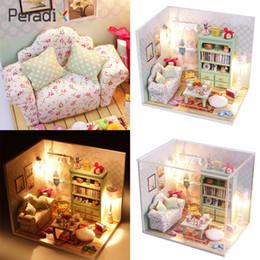 mobília em miniatura da casa de boneca led Desconto Kits DIY Madeira Handmade Dollhouse Sofa Miniature Com LED + Móveis + cover Room