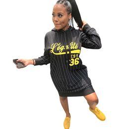 2019 falda con capucha de las mujeres Mujeres sudaderas con capucha de manga larga de la sudadera con capucha de impresión letra sudadera con capucha floja prendas de vestir exteriores falda de camisa casual otoño tapas del invierno streetwear ML997 falda con capucha de las mujeres baratos