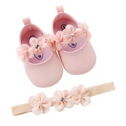 2019 láminas de caucho Zapatos para bebés con diadema Set de regalo Niña pequeña Flor encantadora de primavera Suela suave Zapatillas antideslizantes Zapatos de princesa