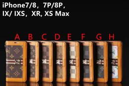 2019 téléphone portable bascule en gros Logo en métal marque de couleur correspondant flip portefeuille étui en cuir couverture de téléphone pour iphone xs max xr 7 7plus 8 8plus 6 6plus avec fente pour carte