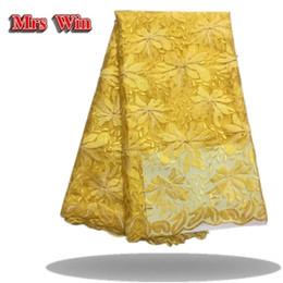 Tela de velo online-La última tela africana del cordón del velo de novia marrón del cordón del cordón francés 3D floral del bordado del oro tela de encaje azul bazin riche getzner