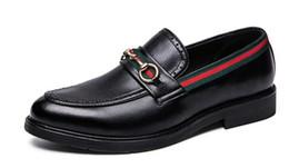 2019 scarpe da uomo in vera pelle casual oxford scarpe da uomo scarpe da uomo mocassini mocassini scarpe italiane per uomo TAGLIA 38-44. da