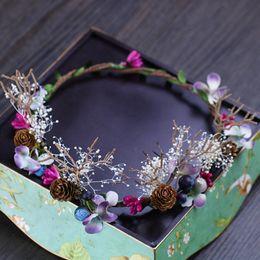 Wholesale resin figure female - Coloured flower garland headwear, vintage female garland photo studio, Bohemia wind headwear wholesale