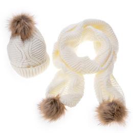 Deutschland Pelz Pom Pom Hut und Schal Frauen Mädchen Winter gestrickte 170cm langen Schal Crochet Hat geometrischen Design Beanies Hüte Gorro weiblich cheap crochet long scarves Versorgung