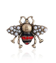vintage pins Promo Codes - 2.9x2.3cm Rhinestone Simulated Pearl Enamel Bee Insect Brooch Pin Personalized Alloy Vintage Brooches for Women