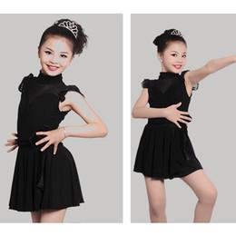 Sıcak satış 2018 yeni tip kolsuz yüksek yaka kızların latin giyim siyah frenal etek ile kostümleri oyna cheap girl hot black skirt nereden kız sıcak siyah etek tedarikçiler