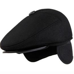 шляпа мужчины плющ крышка Скидка HT1886 зимние шапки для мужчин пожилой человек берет шапки теплый толстый наушник папа берет шляпа полушерстяные плющ Газетчик плоские шапки береты для мужчин