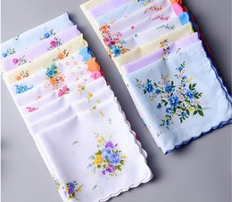 Wholesale Vintage Wedding Hankies - 100% Cotton Handkerchief Cutter Ladies Handkerchief Craft Vintage Hanky Floral Wedding Party Handkerchief 30*30cm Random Color