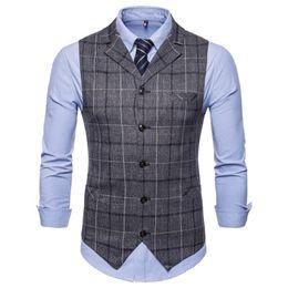 Chaleco marrón oscuro para hombre online-Chaleco Formal Chaleco Gris Oscuro Traje de Hombre Gilet Homme Chaleco Escocés Inglesa Chaleco Casual Para Hombres Marrón Invierno Otoño 2018