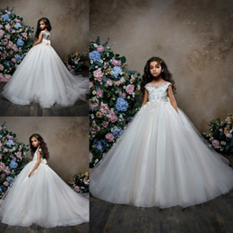 pentelei dresses Promo Codes - Pentelei 2019 Sparkly Flower Girl Dresses For Weddings Bow Beaded Lace Appliqued Little Kids Baby Gowns Cheap Sweep Train Communion Dress