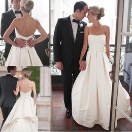 f981fb793923 2019 vestiti dalla chiesa a basso costo Moderno semplice Avorio Abiti da  sposa Una linea senza