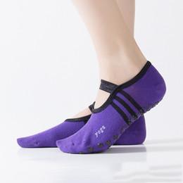 Argentina Reallion 1 Par Mujeres Deporte Calcetines de Yoga Antideslizante Sin Respaldo Señoras Calcetines de Algodón Vendaje Masaje Pilates Ballet Zapatillas de Yoga cheap massage slippers Suministro