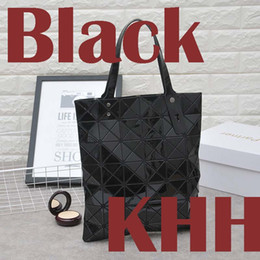 Wholesale Interior Products - New product 2018 Korean version of the geometric diamond style of women's fashion folding splicing hand bill of lading shoulder bag.