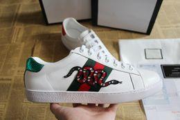 chaussures faites à la main Promotion chaussures de luxe pour hommes designer sneaker récupération parfaite chaussures de sport en cuir de vache fait à la main serpent vert ace chaussures rayures vertes vertes
