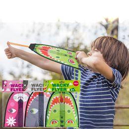 Canada Cartoon Kite for Children Jouets d'éjection Sports de plein air Flying Kids Kites 3 Formes Interaction parent-enfant Jouets de nouveauté Offre