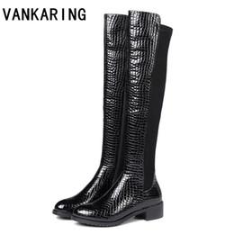 VANKARING nouvelle mode découpes femmes genou bottes bottes en cuir gaufré en cuir gaufré bout rond western filles moto chaussures femme ? partir de fabricateur