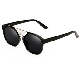 Mode Date carré lunettes de soleil pour les femmes Nouveau design femmes carré populaire lunettes de soleil vintage voyage partie aller shopping unisexe lunettes ? partir de fabricateur