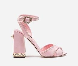 Zapatos rosados de la boda del diamante del rhinestone online-2018 recién llegado de las mujeres sandalias de color rosa rhinestone stud tacones altos zapatos de boda grueso talón de las señoras zapatos de fiesta de diamantes vintage sandalias