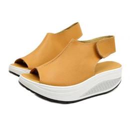 Sandalen schütteln online-Slope mit Frauen Schuhe Fisch Mund Shake Sandalen Frauen Sandalen wünschen große Schuhe