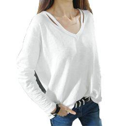 spalla a maniche lunghe tagliato fuori le parti superiori Sconti Autunno donne sexy T Shirt scollo a V tagliato fuori sciolto spalle T-Shirt basic manica lunga maglietta irregolare orlo casual femminile Top
