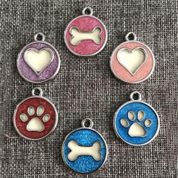 etiquetas de nombre gratuitas Rebajas Pata de hueso en forma de corazón del perro del animal doméstico nombre de perro etiqueta de identificación del perro colgante del perro decoración del animal doméstico envío gratis QW7044