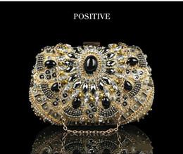 Bolsos de mano europeos nupciales online-Bolso industrial de la perla del bordado de la perla del diamante del estilo caliente europeo y americano lujoso Bolso hecho a mano lujoso de la mano de los granos del alto grado nupcial