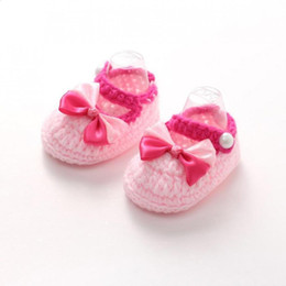 2018 primeros caminantes del bebé del ganchillo zapato Niño Bowknot Woolen Girl Fleece Walkers Elástico hecho a mano Crochet for3-12M Botines Girls Soft Baby Knit Shoe First Winter primeros caminantes del bebé del ganchillo baratos