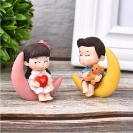 2 pz / set nuovo arrivo luna coppia pvc romantico figurine ornamenti decorativi artigianali per bonsai casa decorazione della tavola cheap decorative figurines da figurine decorative fornitori