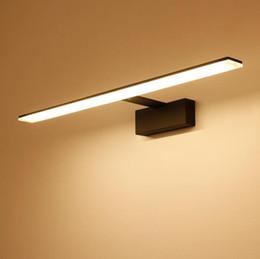 Moderno baño lámpara de pared minimalista Blanco   negro LED Lámpara de  pared baño Led Espejo apliques iluminación interior espejos blancos del  cuarto de ... d5bec5a34a63