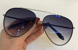 d2368c9d728 2018 New VB sunglasses Victoria Beckham gafas de sol sunglass ways sun eyewear  men and women sun eyeglass color film oculos S136