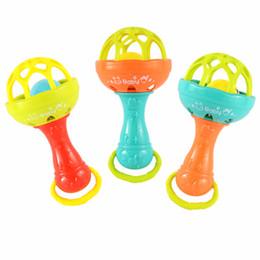 Cola para dentes on-line-Novos Brinquedos Do Bebê Chocalhos Desenvolver Inteligência Do Bebê Grasping Gums Sino De Mão De Plástico Chocalho Dentes de Cola Aprendizagem Brinquedos Do Bebê Presentes
