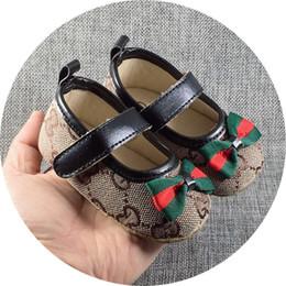 2019 nuevo andador deportivo 2018 nuevo lienzo zapatillas de deporte clásicas recién nacidos bebés niños niñas primeros caminantes zapatos infantil niño suave suela antideslizante zapatos de bebé nuevo andador deportivo baratos