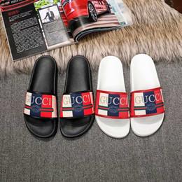 2019 pattini delle scarpe da casa 2019 uomini scivoli estate designer di lusso spiaggia coperta piatta G scarpe uomo di marca sandali pantofole infradito casa con dimensioni picco € 35-46 sconti pattini delle scarpe da casa