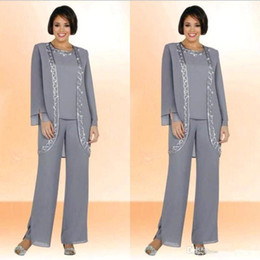 Madre de las chaquetas de la novia online-Modest Modest Silver Grey Chiffon Jewel Long Mother of the Bride Pantal de pantalón con chaqueta de manga larga Bordado barato Trajes formales a medida