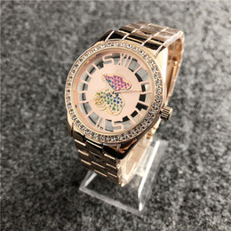 Relógio de pulso crânio on-line-Montre homme Senhoras vestido subiu relógio de ouro crânio tag dial cristal Novo tipo de relógios de pulso pulseira de luxo mulheres relógios de diamantes esqueleto relógio