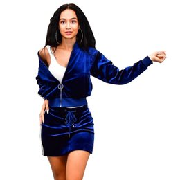 Falda de abrigo azul online-2018 New Velvet Women Casual Outfits Moda Escudo a rayas y falda con cremallera de manga larga de bolsillo Chaqueta con cordones cintura falda corta Negro azul
