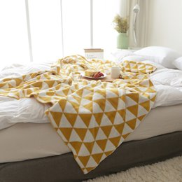 couverture en tricot jaune Promotion Tricoté nouvelle arrivée 100% coton fait main de haute qualité doux canapé-lit couverture tricotée pour été jaune noir bleu gris plaine