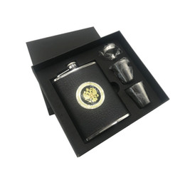 Wholesale alcohol gift sets - LPPUNK New arrival bpa free 8oz Moscow whisky flagon cccp Stainless steel alcohol Vodka hip flask SET with black gift box