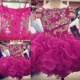 Chicas recogen vestidos de desfile online-2018 Fushcia Organza Cupcake Toddler Girl's Dressup Vestidos de hombros Rhinstones con cuentas Luxury Pick-ups Hasta la rodilla Vestidos de Gil
