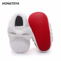 Wholesale First Knot - Hongteya Baby Shoes first walkers Handmade Soft red Bottom Newborn Baby Moccasin Fashion knot PU leather Prewalkers Boots