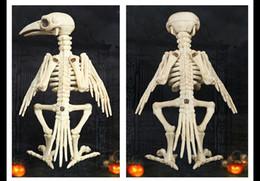 Новинка Кляп Игрушки Хэллоуин Скелет Ворон 100% Пластик Скелет Животных Кости Для Ужасов Хэллоуин Украшения 2017 cheap bone gag от Поставщики костяной кляп
