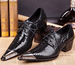 2019 klobige fersenmüßige Vintage Shine Schwarz Mens Designer Schuhe aus echtem Leder 5 CM Chunky Heels Männer Hochzeit Schuh spitz Mens Casual Loafers rabatt klobige fersenmüßige